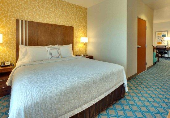 Millbrae, CA: King Guest Room - Sleeping Area