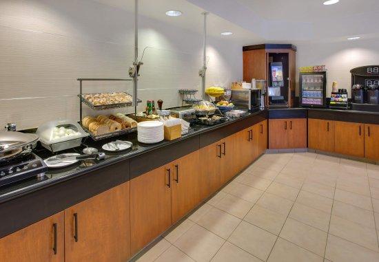Millbrae, CA: Breakfast Buffet