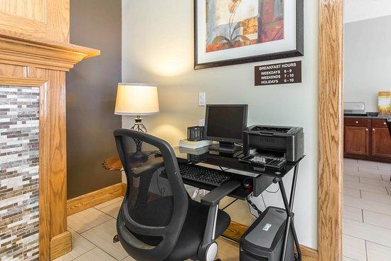 Cedar Rapids, IA: Business Center