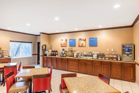 Comfort Inn Amp Suites East Moline Updated 2018 Hotel