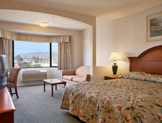San Bruno, CA: King Mini-Suite
