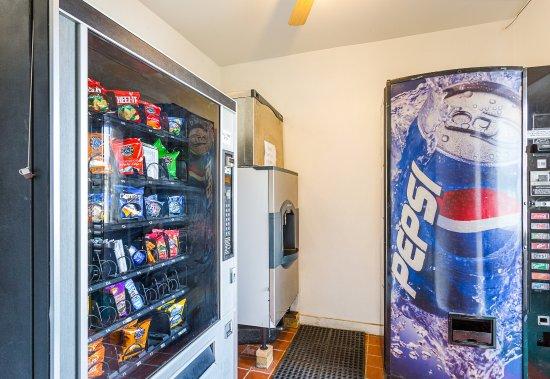Rodeway Inn Roswell: Vending