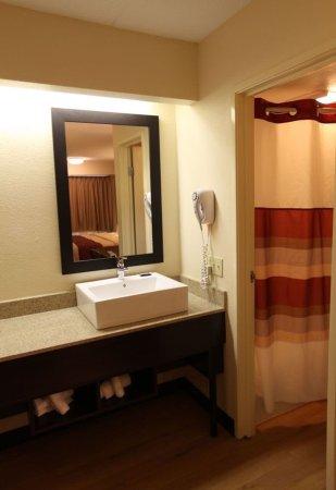 Reynoldsburg, OH: Bathroom Vanity
