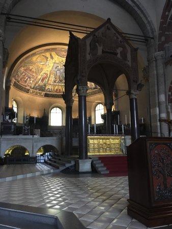 Basilica di Sant'Ambrogio: photo5.jpg