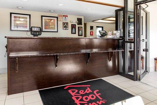 Red Roof Inn Lafayette: Front Desk