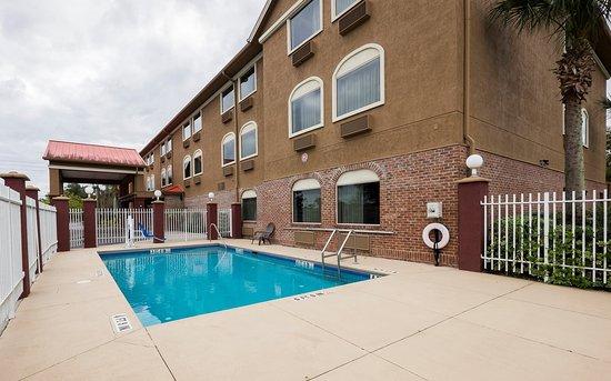 Beautiful Red Roof Inn Ocala: Pool