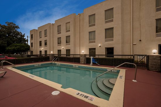 Red Roof Inn Pensacola Fairgrounds: Pool