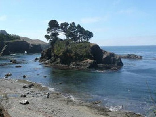 Little River, Kalifornien: Secret Mendocino Beach and Island Cove