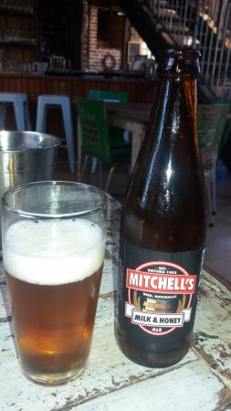 Storms River, Sudáfrica: Ice Cold Mitchell's Beer