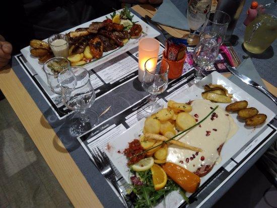 Sainte-Marie-la-Mer, France: Mix grill de l'entrepotes et jambon grillé sauce muscat....Un pur délice, je recommande vivement