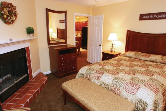 Francestown, NH: One Bedroom Suite