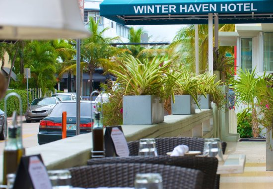 Winter Haven, Autograph Collection: Outdoor Dining Area