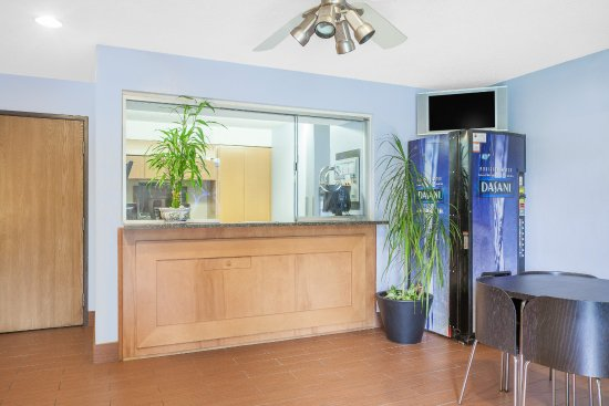 Havre de Grace, MD: Front desk