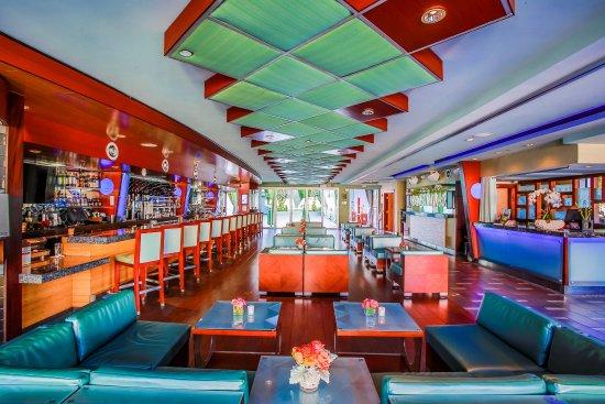 Shade Hotel: Lobby Bar