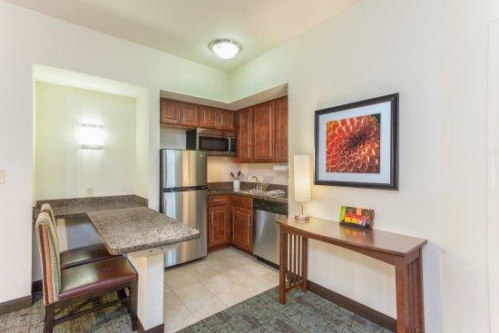 Staybridge Suites Greenville I-85 Woodruff Road : Room Feature