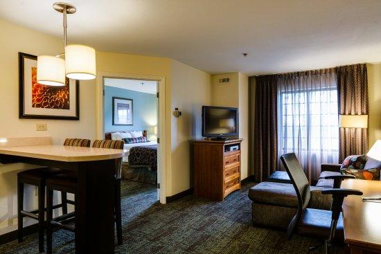 Alpharetta, GA: 1 Bedroom Suite