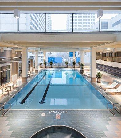 Delta Hotels by Marriott Winnipeg: Our Winnipeg hotel's Odyssey Indoor Pool