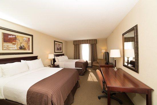 Lloydminster, Canada : 2 Queen Bedroom