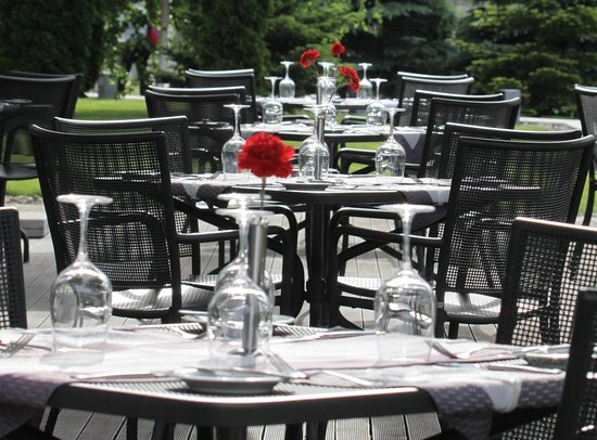 Holiday Inn Sofia: Hotel Exterior & Inviting Terrace for Al Fresco Dining