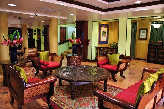Radisson Fort George Hotel and Marina: Lobby