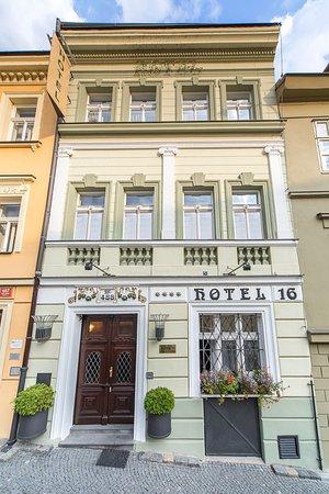 ホテル 16