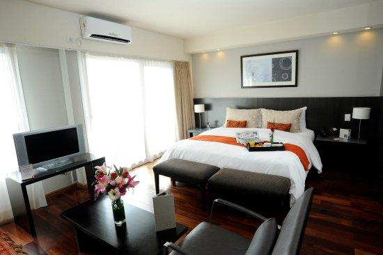 Urban Suites Recoleta Boutique Hotel: Superior Suite River View
