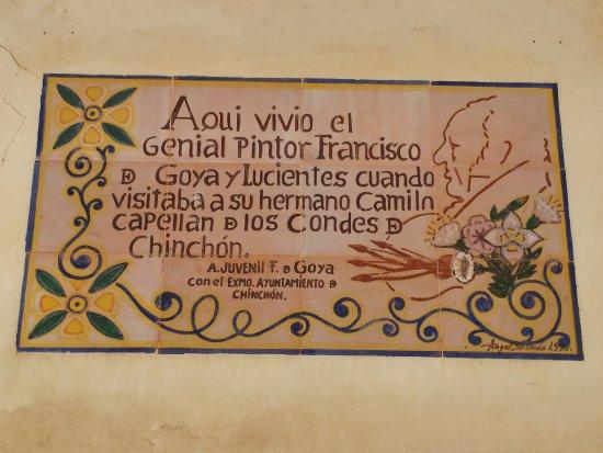 Casa de Goya: Inscripción sobre la fachada