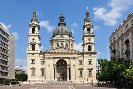 City Hotel Ring: St Stephen Basilica
