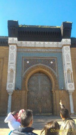 Casablanca, Morocco: palazzo reale ingresso