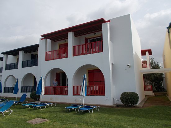 Kefalos Beach Tourist Village: Sea front apartment block