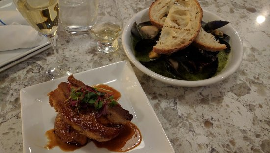 Edmonds, Вашингтон: pork belly & mussels