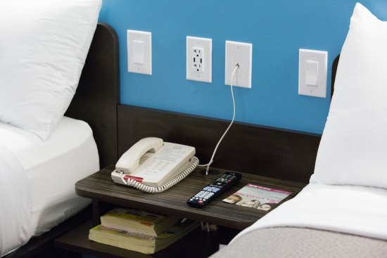 Motel 6 Pottstown: Night Stands, USB Ports and Lighting Controls