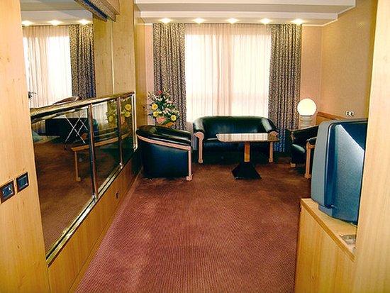Michelangelo Hotel: 669109 Guest Room