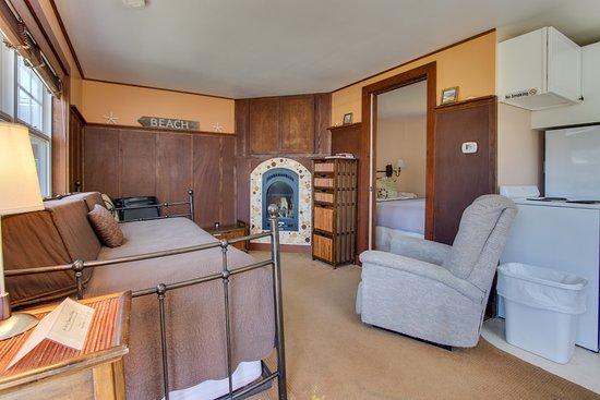 Hidden Villa Cottages Photo