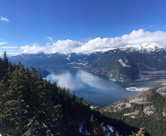 Squamish, Canadá: The view from the deck on the Panorama Trail