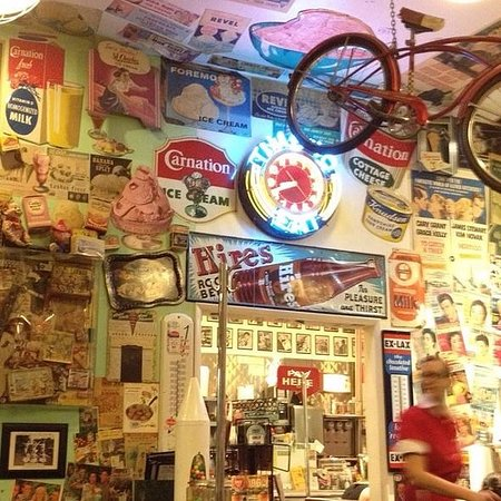 Photo of American Restaurant Cafe 50's at 11623 Santa Monica Blvd, Los Angeles, CA 90025, United States