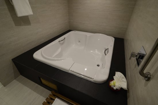 Holiday Inn Plaza Dali Mexico City: King Bed Master Suite with Jacuzzi Non Smoking