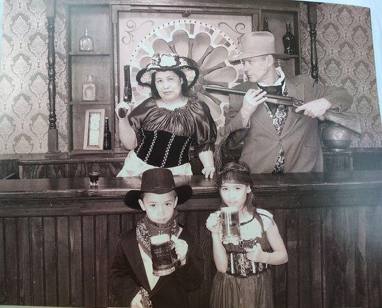 Mo's Old Time Photos