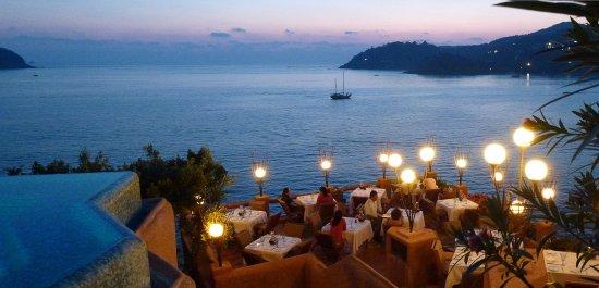 لا كاسا كي كانتا: Mar y Cielo restaurant