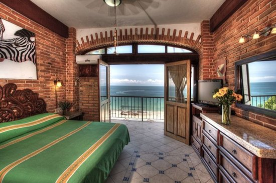 Vallarta Shores: Guestroom with ocean view