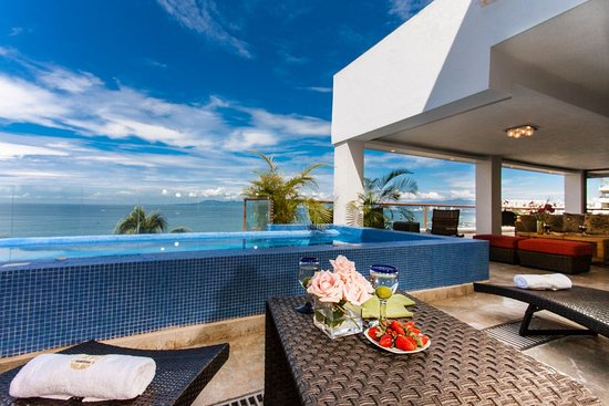 Vallarta Shores: 3 BEDROOM BEACHFRONT SUITE