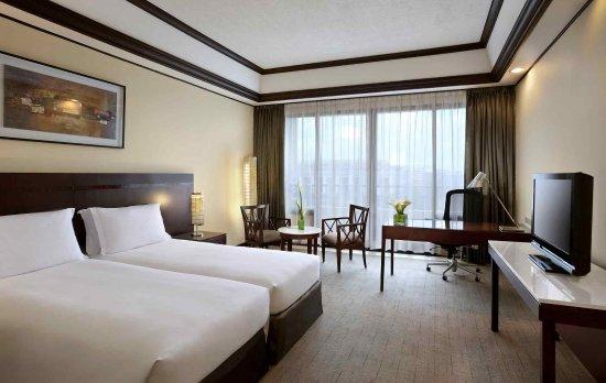 Sofitel Philippine Plaza Manila: Guest Room