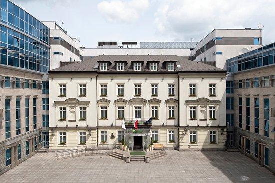 Holiday Inn Krakow City Center: Hotel Exterior