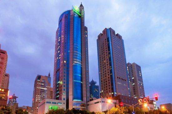 Best Neighborhoods For Hotel Stay In Shanghai