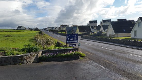 Cois Farraige: Sign on the road that caught my eye.