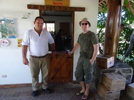 Poas Volcano National Park, Costa Rica: Entree met onze chauffeur