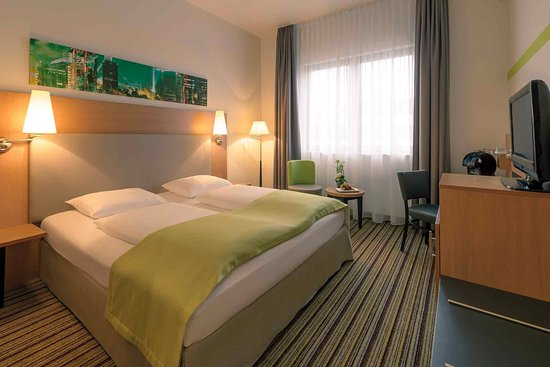 Mercure hotel frankfurt eschborn sued eschborn almanya for Media room guest bedroom
