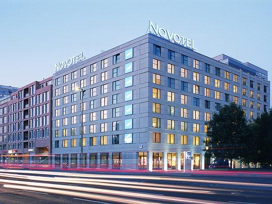 Novotel Berlin Mitte: Exterior