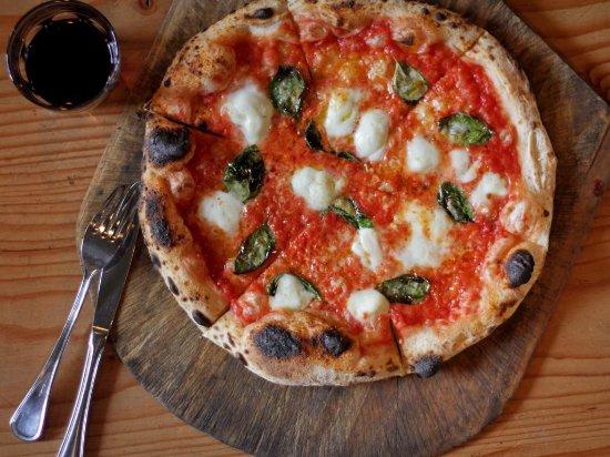 Cobble Hill, Canadá: Margherita Prima Strada Pizza
