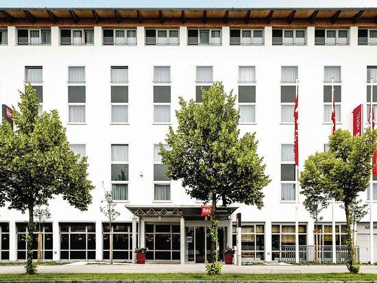 Ibis München Garching: Exterior